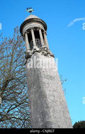 Denkmal für die Pilgerväter, die auf der Mayflower nach Amerika gesegelt - Stockfoto