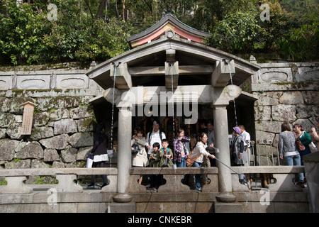 In Kiyomizu-Dera-Tempel in Higashiyama, Kyoto, Kansai-Region, Insel Honshu, Japan. - Stockfoto