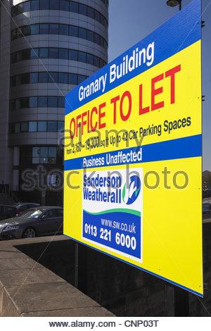 Zeichen Büro zu lassen. Kornkammer Gebäude Kanal Wharf Getreidespeicher Wharf Leeds West Yorkshire England - Stockfoto