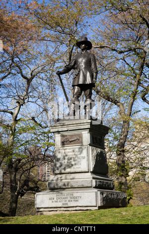 Statue zum Gedenken an die Landung der Pilgerväter auf Plymouth Rock. Im Central Park errichtet im Jahre 1885. - Stockfoto