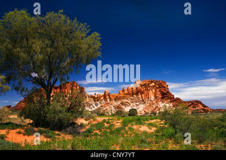 spektakulären Sandsteinformationen des Rainbow Valley droht in der Prärie, Australien, Northern Territory, Rainbow - Stockfoto