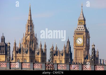 Westminster Palace und Lambeth Bridge - frühen Frühlingsmorgen - Stockfoto