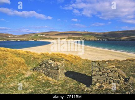 Dies ist der Tombolo verbindet St. Ninian Insel mit dem Festland südlich bei Bigton. - Stockfoto
