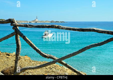 Blick auf den Leuchtturm am Favàritx auf Menorca auf den Balearen, Spanien - Stockfoto
