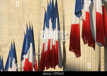 Französischen Fahnen vor dem Pantheon, Paris, Frankreich, Europa - Stockfoto