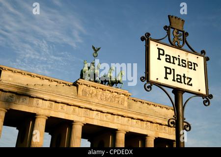 Brandenburger Tor am Pariser Platz, Berlin, Deutschland, Europa - Stockfoto