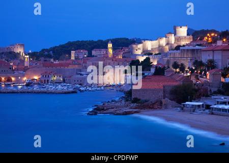 Blick auf die Altstadt Stadt in den frühen Morgenstunden, UNESCO-Weltkulturerbe, Dubrovnik, Kroatien, Europa - Stockfoto