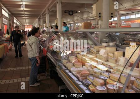 Marche Forville (Forville Markt), Cannes, Alpes Maritimes, Cote d ' Azur, Côte d ' Azur, Provence, Frankreich - Stockfoto
