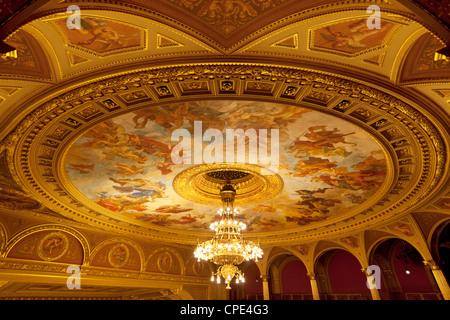 State Opera House (Magyar Allami Operahaz) Decke, Budapest, Ungarn, Europa - Stockfoto