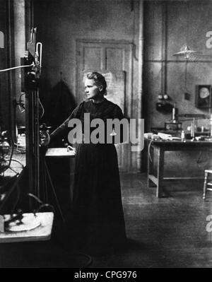 Curie, Marie, 7.11.1867 - 4.7.1934, französischer Physiker, polnischer Herkunft, halbe Länge, ca. 1910, - Stockfoto