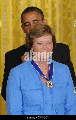 29. Mai 2012 - präsentiert Washington, District Of Columbia, USA - US-Präsident BARACK OBAMA die Presidential Medal - Stockfoto