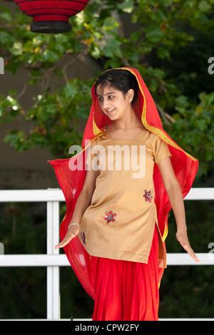 punjabi Mädchen aus