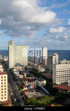 Havanna. Kuba. Blick auf Hochhäuser in El Vedado. - Stockfoto