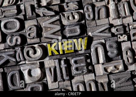 Alten führen Buchstaben bilden das Wort Kiew, Deutsch für Kiew - Stockfoto