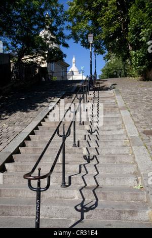 Frankreich, Paris, Montmartre, Treppe zum Basilique du Sacré-Coeur (Sacred Heart Basilica) - Stockfoto