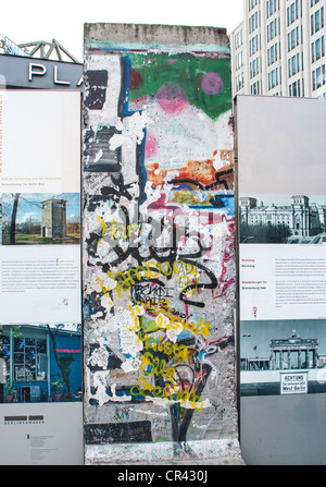 Abschnitte der Berliner Mauer am Potsdamer Platz in Berlin, Deutschland - Stockfoto