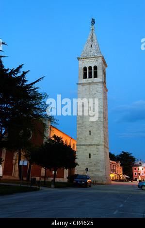 Stadtturm und St Palagius-Kirche, Altstadt, Novigrad, Istrien, Kroatien, Europa - Stockfoto