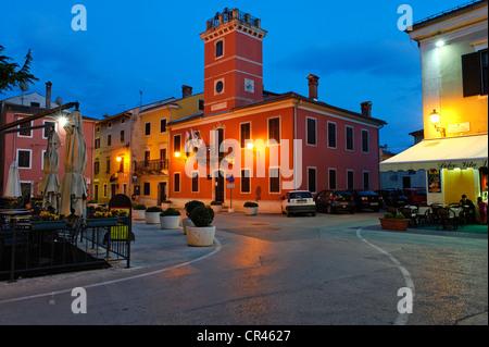 Rathaus, Altstadt, Novigrad, Istrien, Kroatien, Europa - Stockfoto