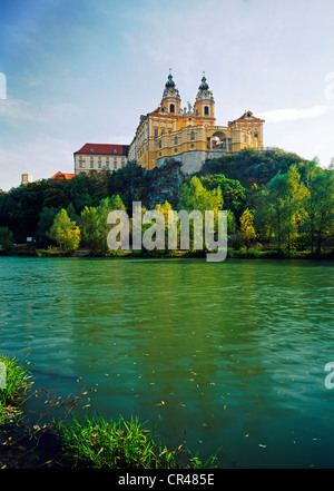 Melk Benediktiner-Abtei oberhalb der Donau, Wachau, Niederösterreich, Europa - Stockfoto