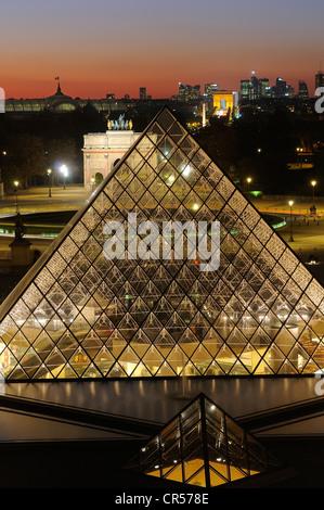 Frankreich, Paris, Louvre-Pyramide von Architekten IM Pei - Stockfoto