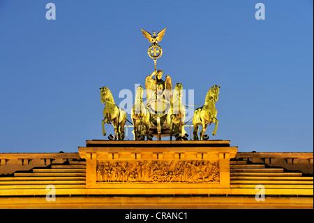 Die Quadriga auf dem Brandenburger Tor in Berlin, Deutschland, Europa - Stockfoto