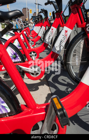 Hauptstadt Bixi Bike Rack. Eine ganze Reihe neuer Bixi Fahrräder. - Stockfoto