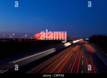 Zeit Ablauf Blick auf Autobahn-Verkehr - Stockfoto