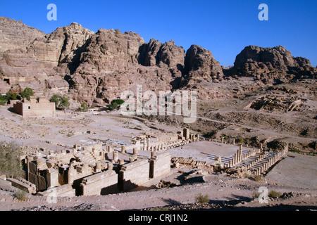großer Tempel des historischen Felsens schneiden Stadt Petra, Jordanien, Petra