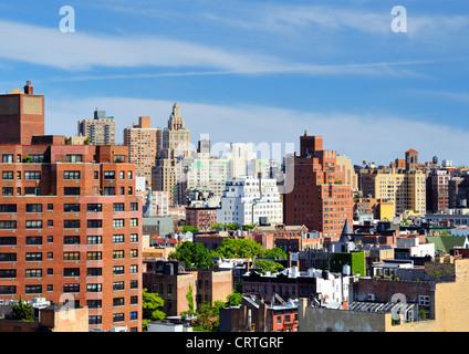 Städtisches Motiv der Hochhäuser in Lower Manhattan angesehen von einem Chelsea-Dach - Stockfoto