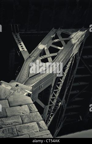 Brücke aus Stahl - Stockfoto