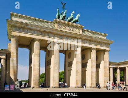 Brandenburger Tor, Pariser Platz Berlin Deutschland EU Europa - Stockfoto