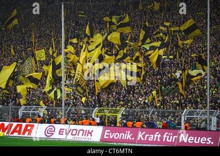 Sport, Fußball, Bundesliga, 2011/2012, Borussia Dortmund vs. SC Freiburg 4:0, Stadion Signal Iduna Park in Dortmund - Stockfoto