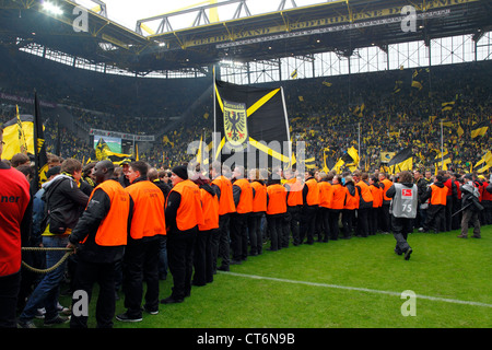 Sport, Fußball, Bundesliga, 2011/2012, Borussia Dortmund vs. SC Freiburg 4:0, Stadion Signal Iduna Park in Dortmund, - Stockfoto