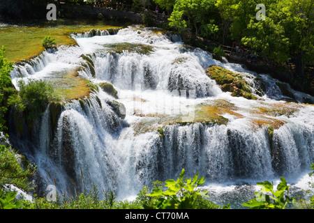 Wasserfälle am Fluss Krka. Nationalpark, Dalmatien, Kroatien - Stockfoto