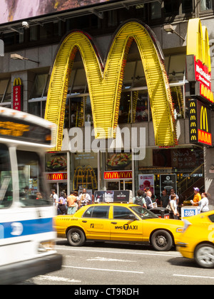 McDonald's Restaurant, Times Square, New York - Stockfoto