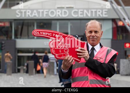 Olympische freiwillige Beteiligung Olympiapark Zeichen außerhalb der Stratford Centre Shopping Mall, Ort der Olympischen - Stockfoto