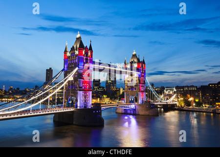 England, London, Southwark, Tower Bridge - Stockfoto