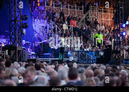 Frankie Valli und die vier Jahreszeiten im Konzert, Newmarket Racecourse, Suffolk UK 2012 - Stockfoto