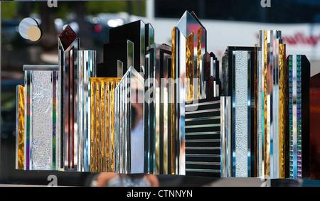 Farbiges Glas als Kunstwerk an der wöchentlichen Künstler Messe in Santa Barbara, Kalifornien - Stockfoto