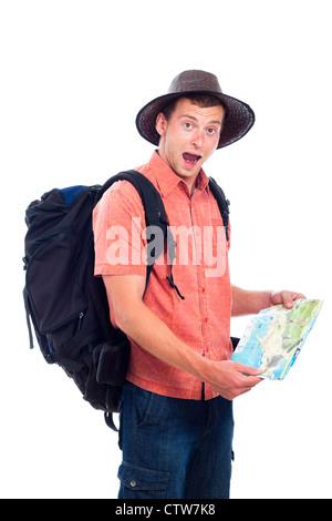Verlorenen Menschen reisen mit Rucksack und Karte, isoliert auf weißem Hintergrund. - Stockfoto