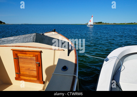 Ein Segelschiff in Kingston Bay, Plymouth MA - Stockfoto