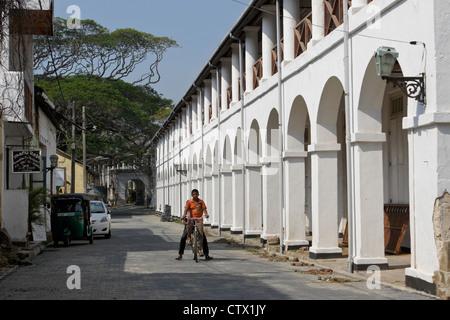 Straßenbild und Architektur in der historischen Festung Galle, Galle, Sri Lanka - Stockfoto