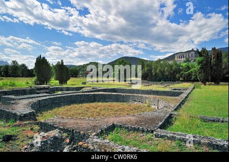 Archäologische Stätte zeigt römische Ruinen in Saint-Bertrand-de-Comminges, Pyrenäen, Frankreich - Stockfoto