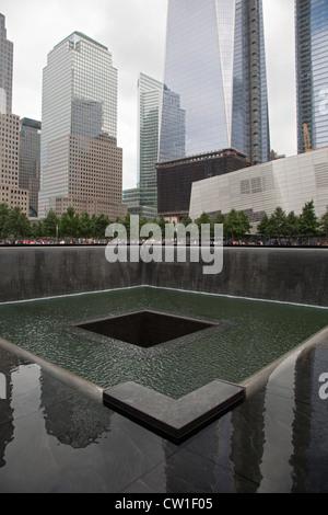 New York, NY - die 9/11 Memorial zum Gedenken an den 11. September 2001-Anschlägen auf das World Trade Center und - Stockfoto