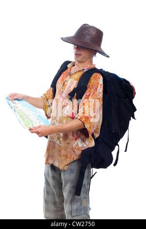 Menschen reisen mit Rucksack und Karte, isoliert auf weißem Hintergrund. - Stockfoto