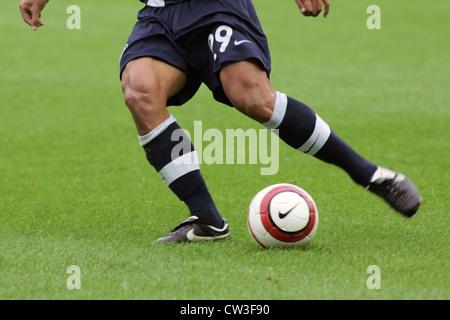 Berlin, Fußballspieler in Aktion - Stockfoto