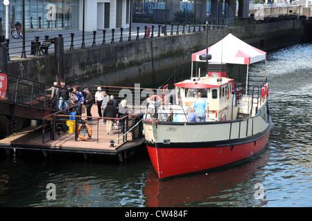 MV-Mona, Titanic Boot Tour, Fluss Lagan, Belfast, Nordirland - Stockfoto