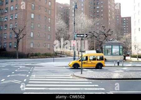 New York Taxi in Stuyvesant Town - Stockfoto