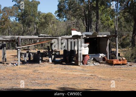 Shanty-Hütte in den australischen Busch. - Stockfoto