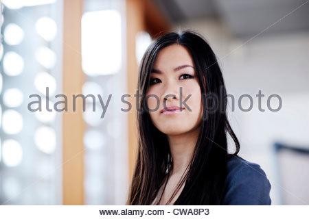 Junge Geschäftsfrau, portrait - Stockfoto